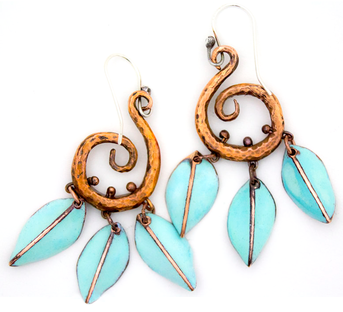 Forged copper with turquoise leaves - earrings